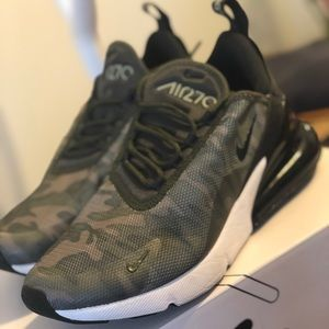 Only worn once 2019 Nike Airmax 270 in Camo!